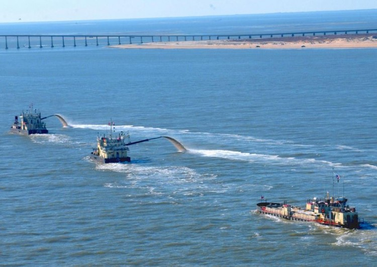 Congressman-Strongly-Supports-Oregon-Inlet-Dredging