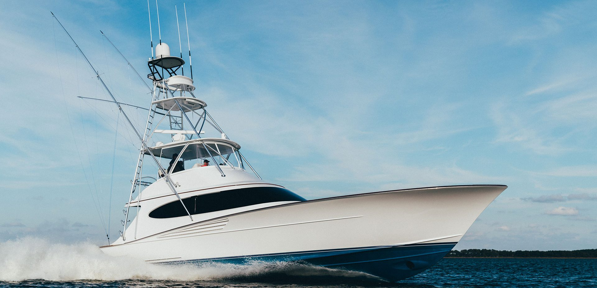 62 Bayliss Sportfish running on the ocean