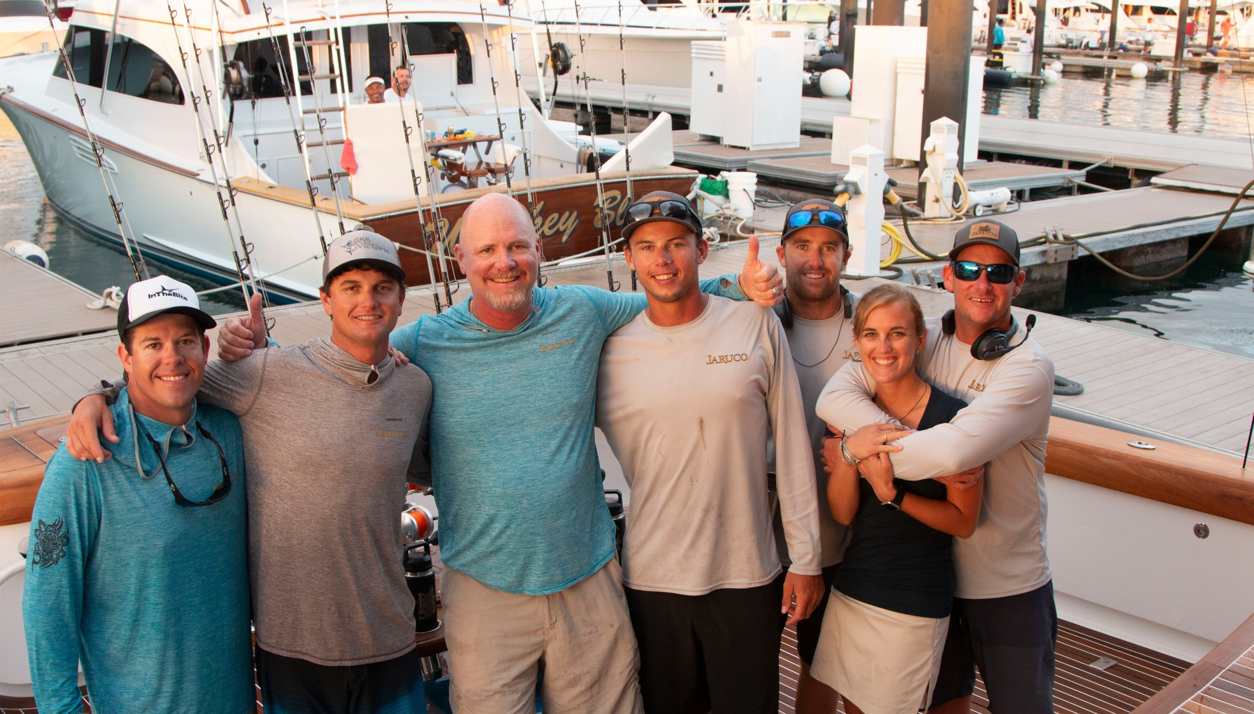 image of the Jaruco sportfishing crew on the back of the boat