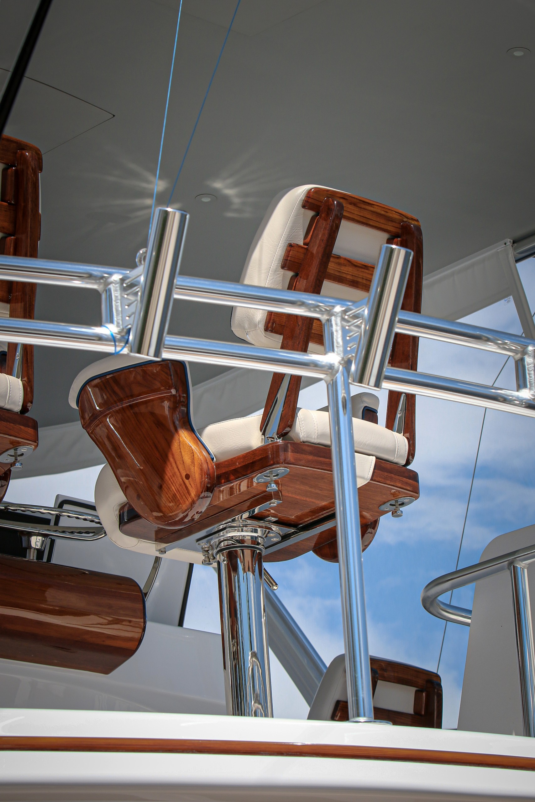 hatteras yacht captain's chair