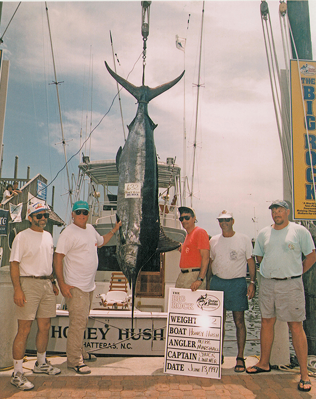 Honey Hush fishing team with marlin
